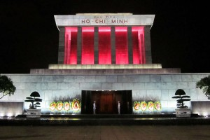 Hanoi-Ho-Chi-Minh-mausoleum-Hoangvantoanajc