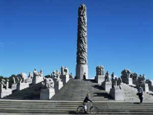 richardson-g-the-monolith-gustav-vigeland-sculptures-frogner-park-oslo-norway-scandinavia